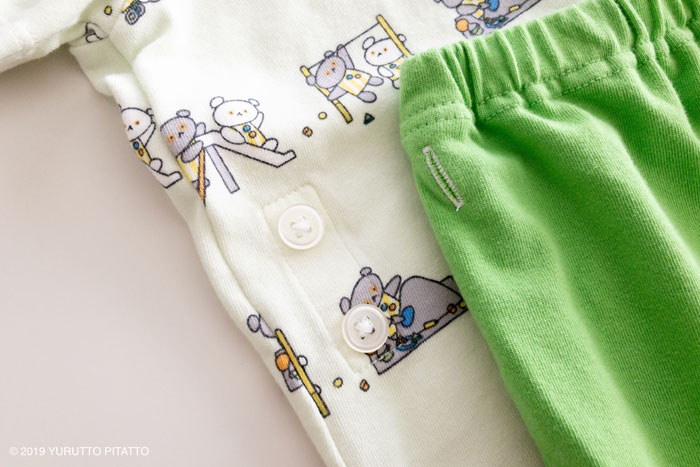 UNIQLOBABYパジャマ2019年ボタン