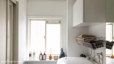 築30年の洗面所。壁紙の上から塗れるペンキで真っ白にDIY。【BEFORE・AFTER】