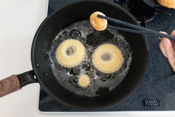 ドーナツを揚げるときのポイント