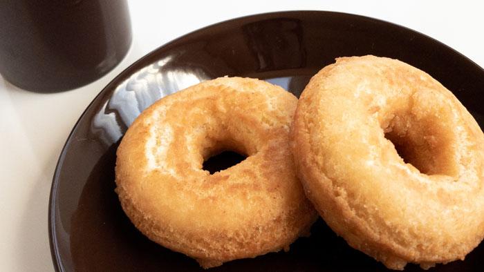 ティーマブラウンと手作りドーナツ