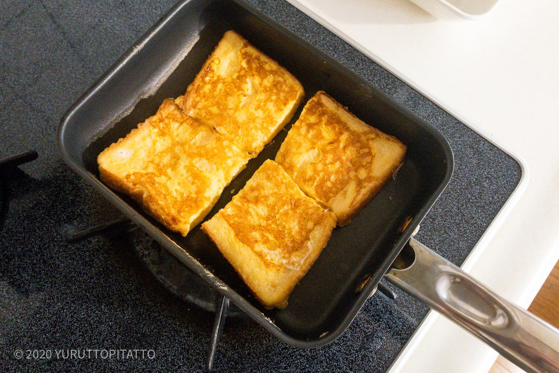 卵焼き器でフレンチトーストを焼く